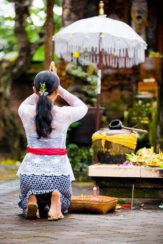 In prayer, Bali, Indonesia. www.villapantaibali.com https://etaxservices15.etax.ato.gov.au/etaxverificationproxy/test.html  #igogeer