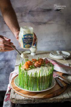 Manzana&Canela: Tarta sandwich de ensalada de huevo y salmón ahuma... Salmon Sandwich, Barbacoa, Food Styling, Panna Cotta, Dips, Sandwiches, Food And Drink, Cooking Recipes, Sweets