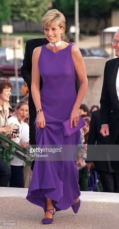 June 5th 1996... Princess Of Wales In Chicago, USA, Arriving For Gala Dinner At Field Museum Of Natural History. Diana Is Wearing A Dress Designed By Fashion Designer Versace And Shoes By Jimmy Choo