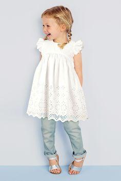 Next embroidered dress bohemian style   Next robe à broderie anglaise esprit bohème