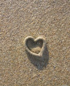 This heart-shaped cast was made by a worm in the sand on a beach in the North of England! Even worms can produce amazing natural art! Heart In Nature, I Love Heart, With All My Heart, Happy Heart, Beach Heart, Heart Images, Follow Your Heart, Heart Wall, Love Symbols