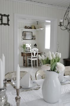 #whiteroom #cleanlivingspace #candles