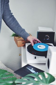 vinyl record collectors gift guide gift ideas pinterest gift lp and audio - Turntable Kitchen