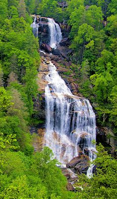 Asheville NC Vacation Travel Guide including best hikes, waterfalls, inns, & tons of attractions