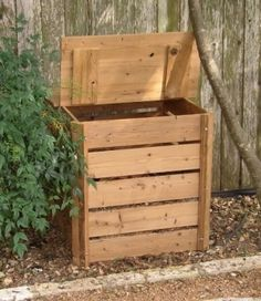 small compost bin by audrey