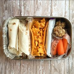 Healthy school lunch inspiration: Make an easy bento by separating snacks and sandwiches with snack bars and a little plastic wrap   Rock the Lunchbox