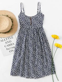 Shop Ditsy Print Random Cami Dress at ROMWE, discover more fashion styles online. Cute Skirt Outfits, Pretty Outfits, Cute Dresses, Casual Dresses, Casual Outfits, Fashion Outfits, Summer Dresses, Gnader Saif, Clothing Photography