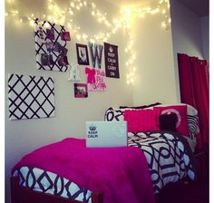 21 New Ideas Wall Decored Living Room Ideas Inspiration Black And White College Apartments, College Dorm Rooms, Dorm Comforters, Dorm Life, College Life, Dorm Decorations, New Room, Bedroom Wall, Room Inspiration