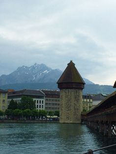 Kapellbrücke (Old Bridge) in Lucerne, Switzerland. Switzerland Vacation, Lucerne Switzerland, Us Travel, Travel Tips, Travel Around The World, Around The Worlds, Travel Couple, Love Birds, Tower Bridge