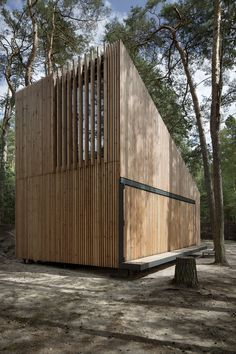 Lake Cabin, Máchovo jezero, Doksy, Czech Republic by FAM Architekti, Feilden+Mawson. Nice solution to long-term enclosure! Old Cabins, Lake Cabins, Cabins In The Woods, Architecture Details, Interior Architecture, Scandinavian Architecture, Timber Cladding, Cottage, Swedish Style