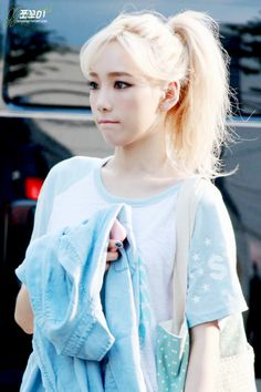 Taeyeon looks like the perfect Elsa