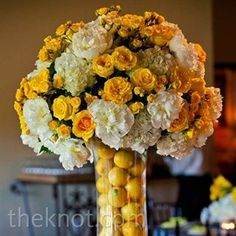 06102012 – Yellow Lemon Centrepieces