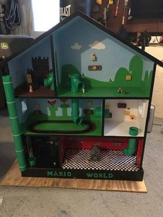 Refurbished doll house mario luigi world Super Mario Room, Lego Super Mario, Super Mario Birthday, Mario Birthday Party, Mario Party, Doll House For Boys, Mario Crafts, Video Game Crafts, Mario And Luigi