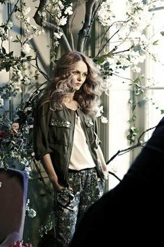 Vanessa Paradis becomes the face of the latest #HM Conscious collection. Wearing a zip-up utility jacket with botanical print trousers, the collection is a refreshing look at Spring. #Sustainable materials used are organic cotton, recycled polyester and Tencel.