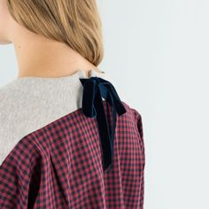 The perfect sweater for autumn is available on www.lazzarionline.net and in our stores.