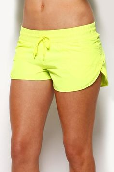 Work out in neon - Lorna Jane Run Short