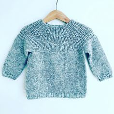 Yarn: Highland wool from www.dk (yardage approximately Fair Isle Knitting Patterns, Sweater Knitting Patterns, Knitted Baby Cardigan, Knitting For Kids, Baby Sweaters, Baby Patterns, Crochet Baby, Knitwear, Kids Outfits