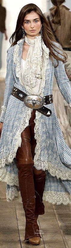 """Dieses und weitere Luxusprodukte finden Sie auf der Webseite von Lusea.de  Ralph Lauren - Love the pants. Not a fan of the """"prairie"""" flounce jacket."""