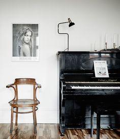 piano | photo jonas berg