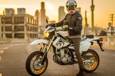 2015 Suzuki DR-Z400SM review - Common Tread - RevZilla