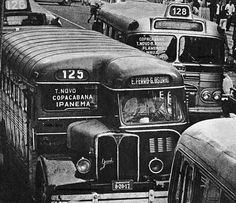Avenida Rio Branco em 1964, destaque para o Ônibus Camões/Grassi 1947, em atividade em 1964 da Auto Viação Taruman Ltda.