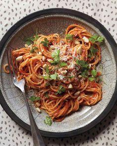 Spaghetti with Sicilian Pesto Recipe & Video | Martha Stewart