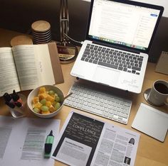 Tutkulu olduğun şeyi bul ve yüzün eriyene ve ayakların yerden kesilene kadar hayallerini kovala! инстагра шаблон для story бесконечная лента как сделать шаблон для истории шаблоны для постов в инстаграм секреты инстаграм оформление инс Study Desk, Study Space, Study Pictures, Study Organization, School Study Tips, Work Motivation, Study Areas, Study Hard, Study Notes
