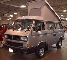 Vanagon A VW Vanagon with a Subaru engine, the perfect match! Vw T3 Westfalia, Vw Bus T3, Bus Camper, Volkswagen Bus, Combi T2, Transporter T3, Vw Camping, Truck Tent, Vw Vintage