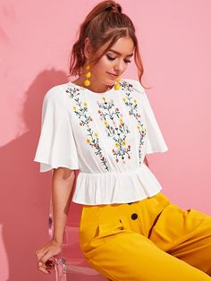 To find out about the Flutter Sleeve Embroidery Front Peplum Top at SHEIN, part of our latest Blouses ready to shop online today! Belted Shirt Dress, Tee Dress, Peplum Top Outfits, Peplum Tops, Fashion News, Fashion Outfits, Fashion Clothes, Summer Outfits, Cute Outfits