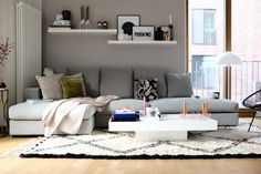 Style Shiver - BoConcept Couch. Bei Instagram lies bereits das ein oder andere Bild darauf schließen - im Hause Style Shiver gibt es Interior- Zuwachs.