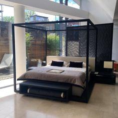 ALCOVA'09 canopy bed Maxalto collection B&B Italia. Designed by Antonio Citterio. #canopybed #maxalto #bandbitalia #modernfurniture #contemporaryfurniture #bromptonroad #furniturepulse by furniturepulse