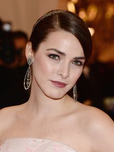 Red-Carpet Beauty: The Best Hair and Makeup Looks From the 2013 Met Gala - Bee Schaffer http://primped.ninemsn.com.au/galleries/hair-galleries/red-carpet-beauty-the-best-hair-and-makeup-looks-from-the-2013-met-gala?image=31