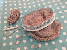 Vive le tricotin géant!!! Loom Scarf, Point Mousse, Cowboy Hats, Baby Shoes, Knitting, Blog, Diy, Genre, Tricot Facile