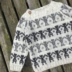 Ravelry: Festive pattern by Lone Kjeldsen Knitted Baby Cardigan, Knitted Baby Clothes, Organic Baby Clothes, Fair Isle Knitting Patterns, Knitting Designs, Knitting For Kids, Hand Knitting, Crochet Baby, Knit Crochet