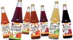 Groentesap 'groeit als kool' | NOS Cocktails, Drinks, Hot Sauce Bottles, Water Bottle, Food, Tomatoes, Craft Cocktails, Drinking, Beverages