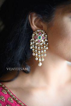 Jewelry Design Earrings, Gold Earrings Designs, Ear Jewelry, Fancy Jewellery, Gold Jewellery Design, Diamond Jewellery, Temple Jewellery, Diamond Earrings, Bridal Earrings