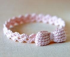 Baby Shoes with Bows Crochet Pattern -matching headband – Instructions for 3 Sizes -Easy Beginner Crochet Pattern PDF - 2019 Easy Beginner Crochet Patterns, Crochet Simple, Crochet Baby Blanket Beginner, Crochet Basics, Crochet For Beginners, Crochet Stitches, Knitting Patterns, Crochet Ideas, Baby Shoes Pattern