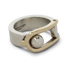 The meticulous work of the metal is the trademark of the House Goossens Paris. This ring, true timeless masterpiece, will both bring a touch of rock and couture to your look. It exists in yellow gold, pink gold, grey or white gold and bicolor as well.  Product characteristics :