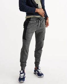 product image Jogging, Men Fashion, Fashion Outfits, Fashion Trends, All American Clothing, Mens Sweatpants, Jogger Pants, What I Wore, Casual Pants