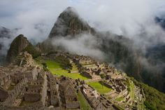 Machu Picchu, the lost city of the Incas by Fotopedia Editorial Team