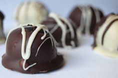 These are so easy to make and so easy to eat! Cookies and Cream in truffle form. Divine!
