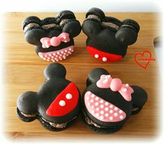 Loving Creations for You: Mickey & Minnie Cookies and Cream Macarons (update...