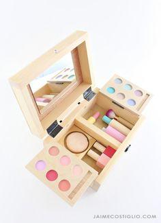 Toy Makeup Set | Ana White