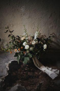 Berlin Wedding, Floral Wreath, Wreaths, Plants, Painting, Outdoor Wedding Seating, Real Flowers, Wildflowers, Getting Married