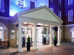 Exeter Mercure Exeter Southgate Hotel United Kingdom, Europe Stop at Mercure Exeter Southgate Hotel to discover the wonders of Exeter. Featuring a complete list of amenities, guests will find their stay at the property a comfortable one. To be found at the hotel are 24-hour room service, free Wi-Fi in all rooms, 24-hour security, daily housekeeping, fireplace. Comfortable guestrooms ensure a good night's sleep with some rooms featuring facilities such as television LCD/plasma ...