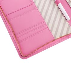 This delicious A5 Textured Leather Compendium in pink is the perfect addition to your stationery wardrobe. Including a limited edition A5 Notepad, it's the perfect accessory to keep you organised in style.