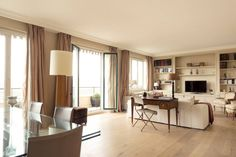 Amazing 2 bedroom flat in the quiet and residential 16em. 5th floor with nice view. Close to Bois de Boulogne and Ranelagh !