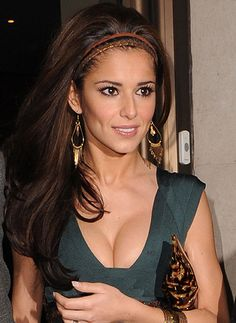 Cheryl Cole Hairstyles and Hair Extensions Clip In Extensions, Brown Hair Extensions, Celebrity Hair Extensions, Cheryl Fernandez Versini, Hair Icon, Box Braids Hairstyles, Celebrity Hairstyles, Hair Pieces, Hair Trends