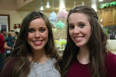With Baby Seewald's due date only three weeks away, the Duggar sisters and party planning friend Sierra threw Jessa a baby shower. Spu...