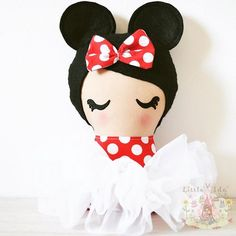 First day back after half term today for my two...will miss them. Now back to my machine to get some serious sewing done...7 weeks and counting!! I saw so many amazing photos of friends enjoying their Disney holidays over the past week or so - so here's a super-cute Minnie to brighten your #Monday. . . . . . #bespokedoll #clothdoll #littleidadolls #minnie #mondaymotivation #mondayblues #backtoschool #mayhalfterm #goodvibesonly #quality #mumpreneur #kidsroomdecor